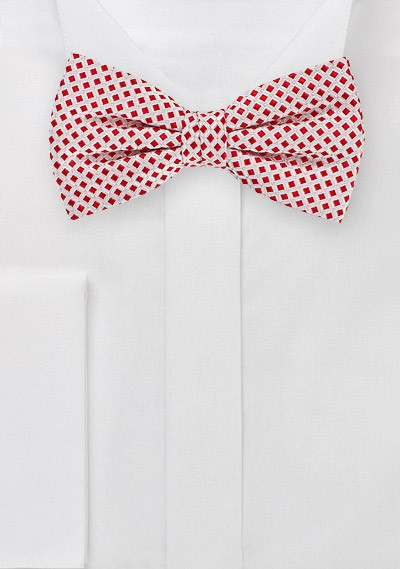 Red and White Patterned Bow Tie
