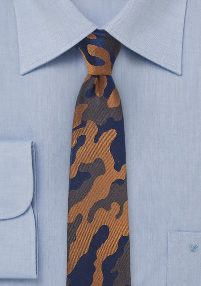 Bown and Navy Camo Tie