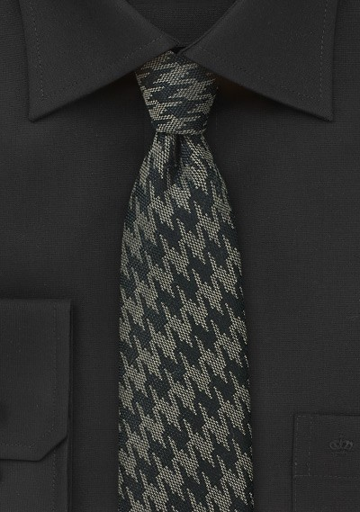 Trendy Wool Houndstooth Check Tie in Black and Gray