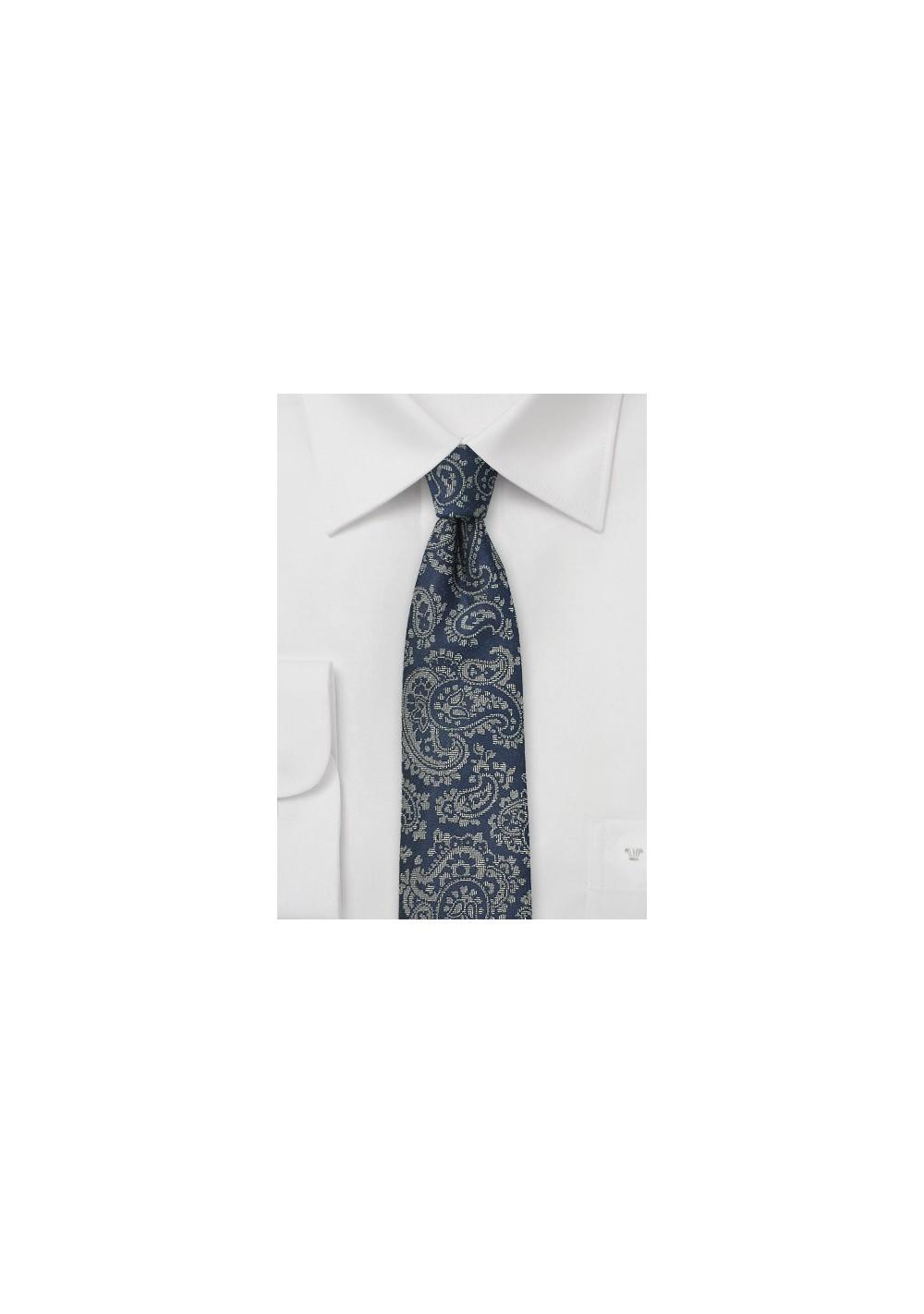 Trendy Paisley Skinny Tie in Dark Navy