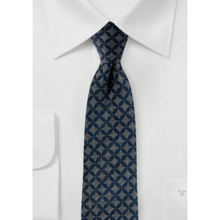 Trendy Patterned Skinny Tie in Navy and Gray