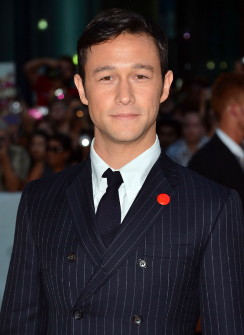 Joseph Gordon-Levitt-Double-Breasted-Suit-Red-Lapel-Pin