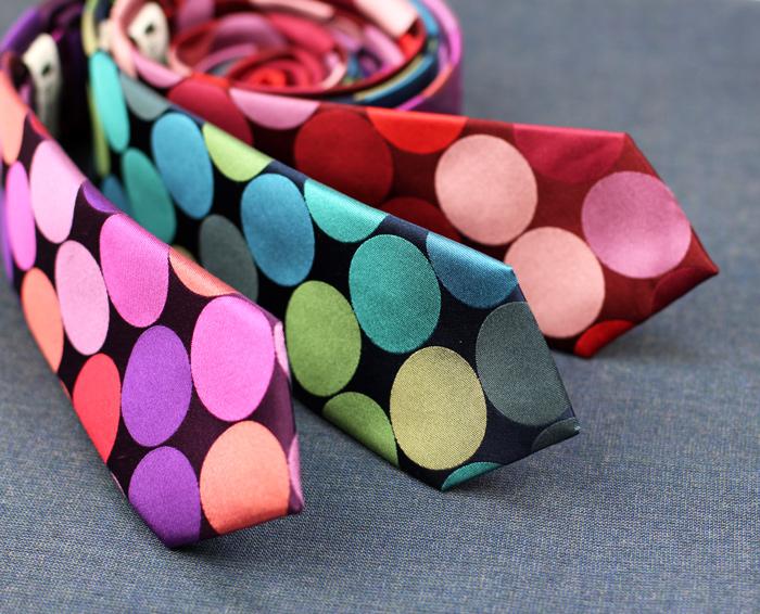 skinny-giant-polka-dot-neckties