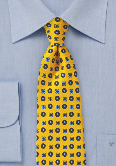 Elegant Foulard Silk Tie in Yellow and Blue
