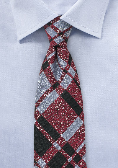 Winter Plaid Wool Tie in Red and Blue