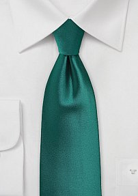 Solid Extra Long Tie in Everglade