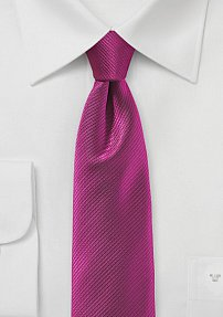 Ribbed Textured Skinny Tie in Raspberry