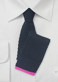 Trendy Knit Tie in Navy with Pink Tip