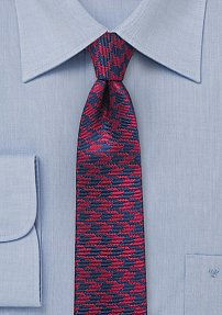 Trendy Skinny Tie in Red and Navy with Houndstooth Pattern