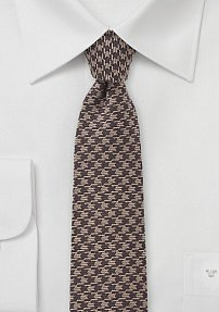 Men's Skinny Wool Necktie in Houndstooth Pattern