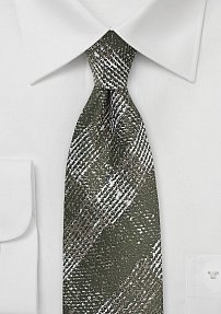 Wool Plaid Necktie in Moss Green