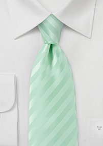 Modern Narrow Tie in Pistachio