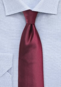 Solid Color Tie in Wine for Tall Men