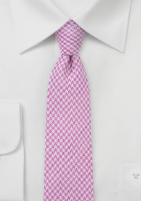 Slim Cut Houndstooth Tie in Pink