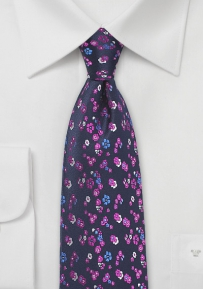 Intricate Floral Tie in Grape Purple
