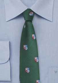 Crest Patterned Skinny Silk Tie in Dark Hunter Green
