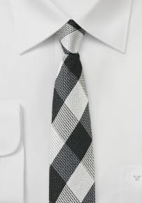 Trendy Skinny Tie with Large Checks