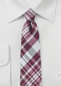 Trenditional Cotton Plaid Tie in Burgundy