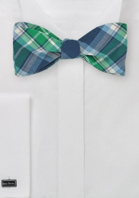 Trendy Plaid Bow Tie in Green and Blue